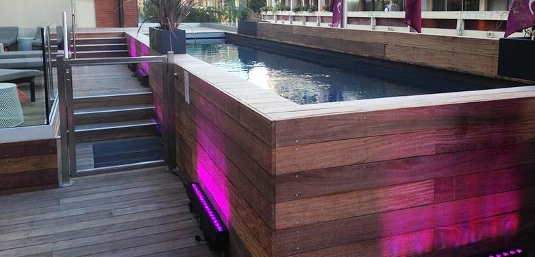 Couloir de nage sur balcon