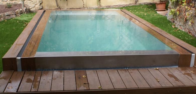 La piscine miroir en bois : l'élégance et la modernité