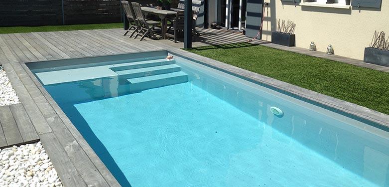 Ozeobois installe votre piscine en bois
