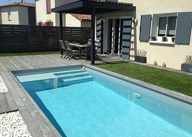 Ozeobois, spécialiste en aménagement extérieur : piscine bois, pergola...