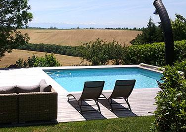 La piscine carrée Ozeobois s'adapte à tous vos espaces
