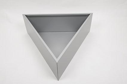jardiniere triangulaire gris